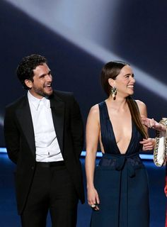 Presenting at the Emmys 2019 with the others costars of Got Emilia Clarke Daenerys Targaryen, Game Of Thones, Kit Harrington, I Love Games, Kings Game, The Emmys, Mother Of Dragons, Winter Is Coming, My King