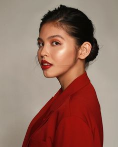 So thrilled to officially announce my collaboration with MAC Cosmetics once again! Honored to be the first ever to create my own… Maine Mendoza Outfit, Creative Fashion Photography, Pinoy, Film Festival, Asian Beauty, Mac Cosmetics, Collaboration, Hollywood, Actresses