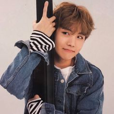 Happy birthday to this eternal sunshine and adorable human being, blease always be happy, i HOPE that you'll never be sad, i aspire to be as postive as you... love you a lot!