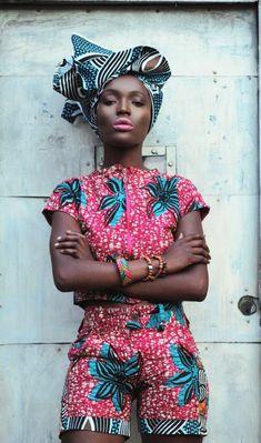 a little wax combi African Attire, African Wear, African Dress, African Style, African Street Style, African Crown, African Shop, African Outfits, African Girl