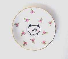 hand painted plate with cat