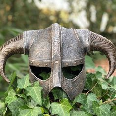 Some pictures of the Skyrim iron helmet I finished making for a client : gaming Viking Tattoo Sleeve, Viking Tattoos, Sleeve Tattoos, Skyrim Armor, Sci Fi Fantasy, Elder Scrolls, Some Pictures, Wood Carving, Skyrim House