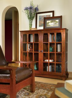 Gustav Stickley 150th Anniversary Commemorative Bookcase. Reissued in 2008 by Stickley from circa 1901 design.