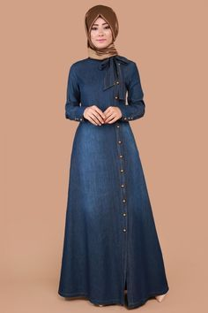 I would HAVE to show some leg in this. Hijab Fashion Summer, Modern Hijab Fashion, Muslim Women Fashion, Abaya Fashion, Denim Fashion, Fashion Outfits, Denim Abaya, Denim Maxi Dress, Muslim Dress