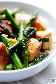 Chicken and Asparagus Stir Fry Recipe | gimmesomeoven.com