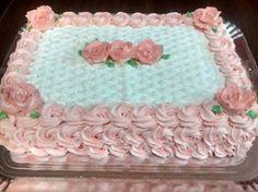 Resultado de imagem para bolo decorado com chantilly retangular
