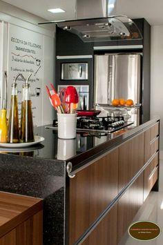 Aproveite também para ver o post sobre a minha cozinha na revista Casa Claudia, clique aqui.