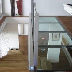 Glass Floor, Tile Floor, Flooring Tiles, Basement Flooring Waterproof, Glass Walkway, Creation Deco, Tiny Living, Basement Remodeling, Clear Glass