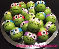 Children's treats: Ninja turtles treat The Effective Pictures We Offer You About fun Preschool Snacks A quality picture can tell you many things. Cute Snacks, Thanksgiving Preschool, Little Presents, Fruit Decorations, Preschool Snacks, Cute Dolls, Ninja Turtles, Kids Meals, Crafts For Kids