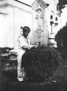 Tsasevich Alexei in Livadia 1912
