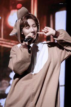 Happy Christmas Eve And Merry Christmas 🎄🎁 Winwin, Taeyong, Jaehyun, Nct 127, Nct Dream Renjun, Huang Renjun, Na Jaemin, Kpop, K Idols