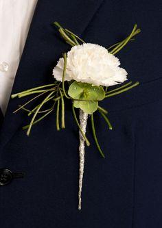 Knapphullsblomst/corsage - Interflora blomster