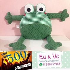 EueVcFazendoArtesanato ( @artesanatotecido )Vendo almofadas divertidas, de viagem, em forma de desenho de criança (personalizadas), além de outros itens. WhatsA...