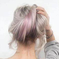 29 vind-ik-leuks, 2 reacties - Salon B (@salonbnl) op Instagram: 'Lived-in blonde hair and a peekaboo purple by @colourmesue (Salon B, Amsterdam centrum) #salonbnl'
