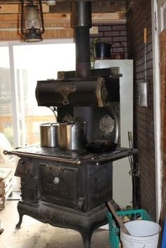 The Homestead Survival   A Cook Stove And How To Use It   http://thehomesteadsurvival.com