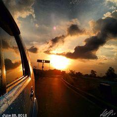 雨降り月曜日 #rainy #monday #morning #sun #daybreak #sunrise #sky #cloud #philippines #フィリピン #空 #雲 #朝日
