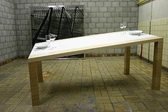 laszlo-rosznoki-table