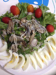 ยำขนมจีนปลาทูย่าง