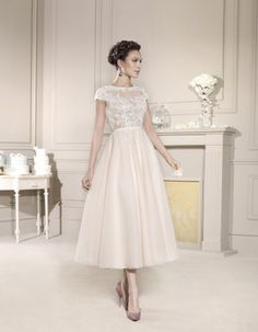 http://www.bellasposa.ro/2069-thickbox_btt/rochie-de-mireasa-scurta-din-dantela-model-5672.jpg