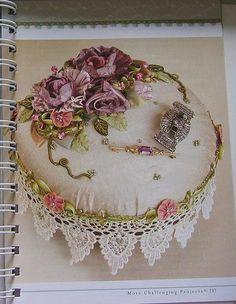 Рукодельные страсти: Цветы и украшения из шелковых лент