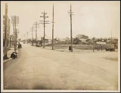 Corner Parramatta Rd and Great North Road at Ashfield/Five Dock in So many electricity poles compared to now. Five Dock, Great North, Modern Pictures, Historical Photos, Old Photos, Past, Old Things, Street View, History