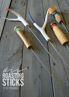 DIY Roasting Sticks - - *This post may contain affiliate links. These DIY Roasting Sticks are my favorite DIY. (at least for now) The wooden ones are made out of part of an old stair railing! I'm a bit …. Fire Pit Food, Fire Pits, Marshmallow Roasting Sticks, Roasting Marshmallows, Crafts To Make, Easy Crafts, Fire Pit Accessories, Battery Operated Tea Lights