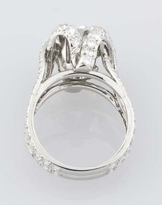 TIFFANY SCHLUMBERGER  Round Diamond Platinum Engagement Ring