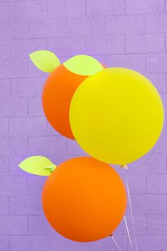 DIY Giant Citrus Balloons #balloons #diy #giant #partydecor
