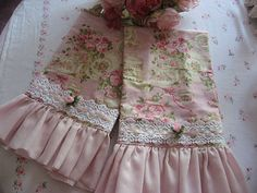 Shabby Cats and Roses: Woo Hoo! It's Pink Saturday Time Again ! this pattern could also make up into lovely pillowcases. Shabby Chic Crafts, Shabby Chic Interiors, Shabby Chic Pink, Shabby Chic Kitchen, Shabby Chic Cottage, Vintage Shabby Chic, Shabby Chic Homes, Shabby Chic Style, Shabby Chic Furniture
