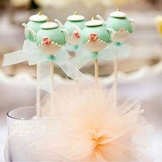 #mulpix Cake pop para chá de cozinha. Idéia linda by @loucaporfestas   #chádecozinha  #chadecozinha  #chádepanela  #chadepanela  #cakepop  #ideas  #celebrarcomestilo