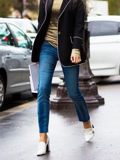 Why Vogue Editors Wear Heels to Help With Foot Pain | WhoWhatWear