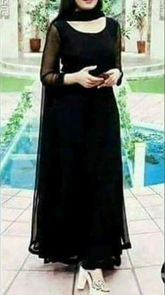 Black Punjabi Suit, Black Pakistani Dress, Black Salwar Suit, Beautiful Pakistani Dresses, Pakistani Dress Design, Black Kurti, Punjabi Dress, Indian Fashion Dresses, Dress Indian Style
