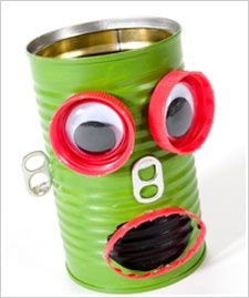 Robot Pencil Holder made with recycled materials. A great kids project. #crafts #plaid crafts #kids