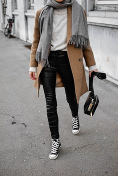Outfit ideen Camel coat Accessorizing Your Leather-based: Nice concepts to brighten your look! Winter Fashion Outfits, Look Fashion, Casual Outfits, Womens Fashion, Trendy Fashion, Cheap Fashion, Fashion Rings, Fall Fashion, Fashion Dresses