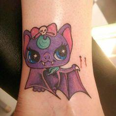 Halloween kawaii - Tatuaje de murciélago vampiro | Vampire kawaii bat - Halloween tattoo