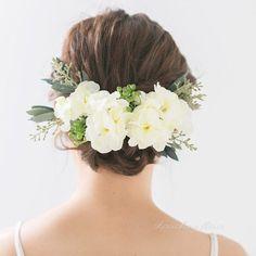 一つ一つがアトリエにて手作りでお作りしてあります。こちらはホワイト×グリーン ストックとラベンダーリーフのピンパーツセット12点となります。  ひらひらとした花びらが本物の様な質感で華やかにボリュームがあります。~サイズストック 6cm〜8cm 4ラベンダーリーフ 9cm×5cm 5グリーンベリー 4cm 2ストック蕾 2cm 1ヘッドパーツピン部分の長さ 約6㎝ 若干の誤差は生じます ~お色~ホワイト×グリーンなるべく実物に近付けて撮影しておりますが、若干の誤差はご了承ください ~素材~アートフラワー~世界に一つあなたのご希望、形にしてみませんか?~chouchoufleur chouchou fleur Chou Chou fleur chou chou fleur
