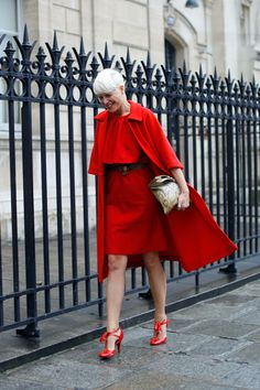 All red with snake print bag..so chic!!