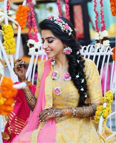 Bridal Jewelry Where to buy that trending floral jewelry from? Wedding Looks, Bridal Looks, Wedding Bride, Desi Wedding, Bridal Style, Floral Wedding, Wedding Events, Wedding Decor, Wedding Reception