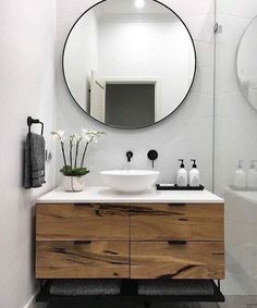 the moment, we are obsessed with round mirrors! The rectangular mirror takes … At the moment, we are obsessed with round mirrors! The rectangular mirror takes . -At the moment, we are obsessed with round mirrors! The rectangular mirror takes . House Bathroom, Bathroom Inspiration, Bathroom Interior, Modern Powder Rooms, House Interior, Small Bathroom, Bathroom Decor, Interior, Bathroom Design