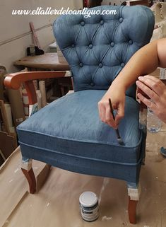 Most Comfortable Office Chair Denim Furniture, Chalk Paint Furniture, Home Furniture, Dining Chair Makeover, Furniture Makeover, Most Comfortable Office Chair, Dining Room Table Chairs, Painted Chairs, Chair Fabric