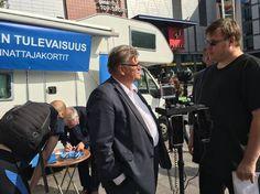 Tunnelma sinisen tulevaisuuden kampanjatilaisuudessa Espoon Leppävaarassa muuttui kireämmäksi, kun Pekka Koskenkorva arvosteli kovasanaisesti Soinia. Soinin mukaan hän saa sähköpostiinsa samanlaista kansalaispalautetta.
