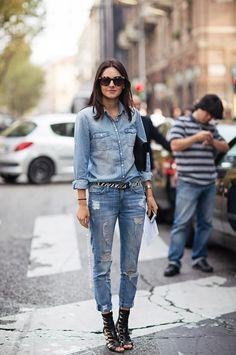 O Look total Jeans está de volta para modernizar os looks de verão e inverno! Você pode usar o total jeans em ocasiões informais, finais de semana, e até mesmo para sair a noite em barzinhos e baladas! COMBINAÇÕES: Você pode o look todo jeans na mesma tonalidade, por exemplo camisa jeans e calça jeans …