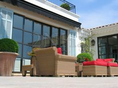 Coulissant 6 vantaux atmosphère 2NH House Extensions, Outdoor Furniture Sets, Outdoor Decor, Architecture, Windows, Cannes, Home Decor, Winter Garden, Puertas