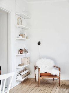 my scandinavian home: 11 Ways To Make The Most of An Awkward Corner Minimalist Interior, Minimalist Living, Minimalist Decor, Modern Minimalist, Minimalist Kitchen, Minimalist Bedroom, Home Living Room, Living Room Designs, Living Room Decor
