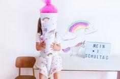 Einhorn Schultüte basteln - wir zeigen euch wie es geht. Mit unserem Free Printable zum Ausdrucken für die Zuckertüte. We love our Unicorn School Cone! Mehr auf FAMILICIOUS.de