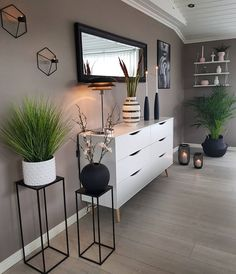 31 brilliant solution small apartment living room decor ideas and remodel 17 Home Living Room, Living Room Designs, Living Room Decor, Bedroom Decor, Decor Room, Living Spaces, Home Decor Furniture, Apartment Furniture, Online Furniture