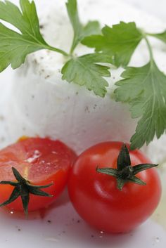 cheese with cherry tomatoes and parsley
