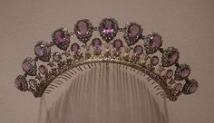 amethyst, silver, and gold tiara/comb, circa 1830 (verified by Metropolitan Museum of Art) Royal Crowns, Royal Tiaras, Tiaras And Crowns, Antique Jewelry, Vintage Jewelry, Purple Quartz, Royal Jewelry, Silver Jewellery, Amethyst Jewelry