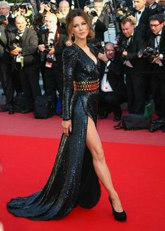 2010 Red Carpet at Cannes Film Festival - Kate Beckinsale in Balmain Sexy Dresses, Beautiful Dresses, Nice Dresses, Beautiful Celebrities, Most Beautiful Women, Stunningly Beautiful, Cannes Film Festival 2014, Mode Glamour, Lovely Legs