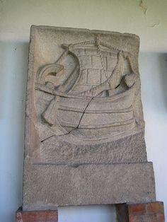 Bassorilievo raffigurante una nave oneraria.- Museo Arch. di Aquileia.